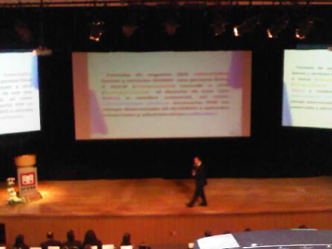 El Lic. Ferenz Feher durante la Conferencia Magistral en el Foro Internacional de Franquicias 2012 en la UVM Zapopan
